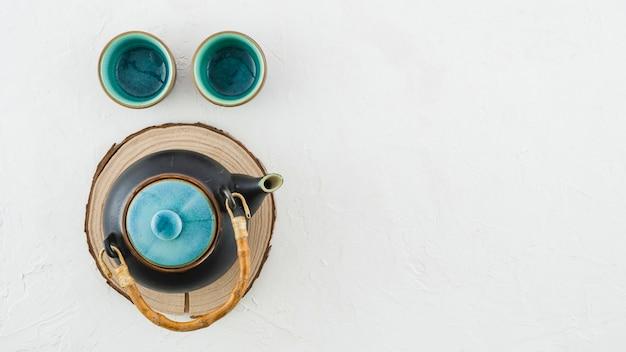 Czajniczek Ceramiczny Z Filiżanki Herbaty Na Białym Tle Darmowe Zdjęcia