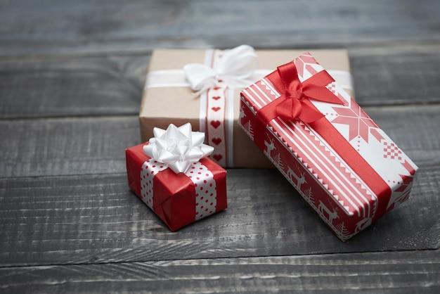 Czas Na Otwarcie Prezentów świątecznych Darmowe Zdjęcia