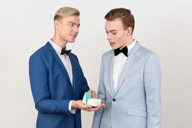 Gruby garnitur randki online