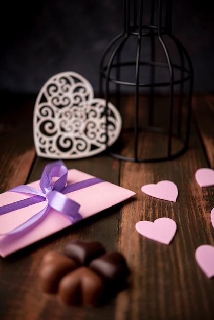 Czekoladki Na Walentynki Z Prezentem I Sercami Darmowe Zdjęcia