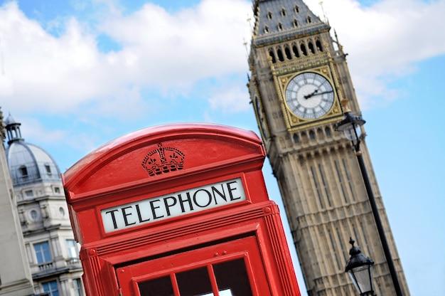 Czerwona budka telefoniczna i big ben w londynie Darmowe Zdjęcia