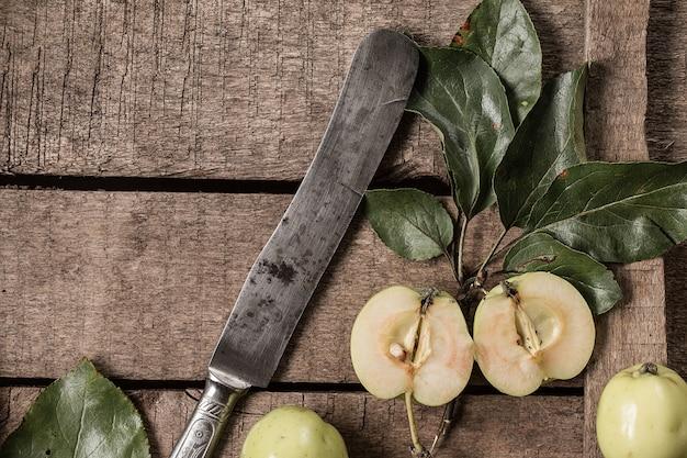 Czerwone I Zielone Jabłka Premium Zdjęcia
