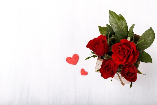 Czerwone Róże I Serca Premium Zdjęcia