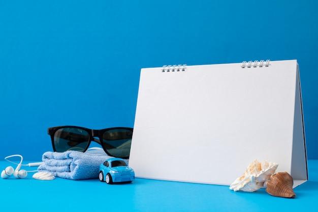 Czysty Papier Do Kalendarza Z Akcesoriami Traveler Premium Zdjęcia