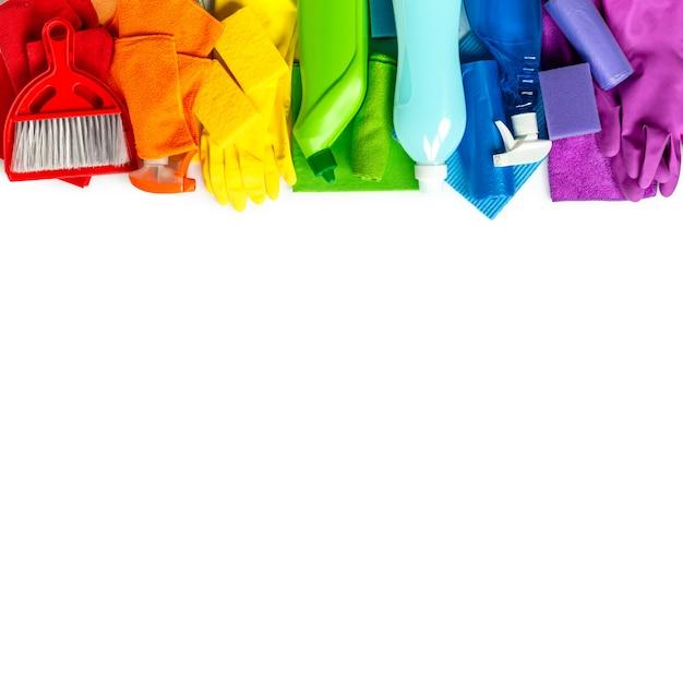 Czyszczenie Produktów I Narzędzi Zestaw Kolorów Tęczy Na Białym Tle Premium Zdjęcia