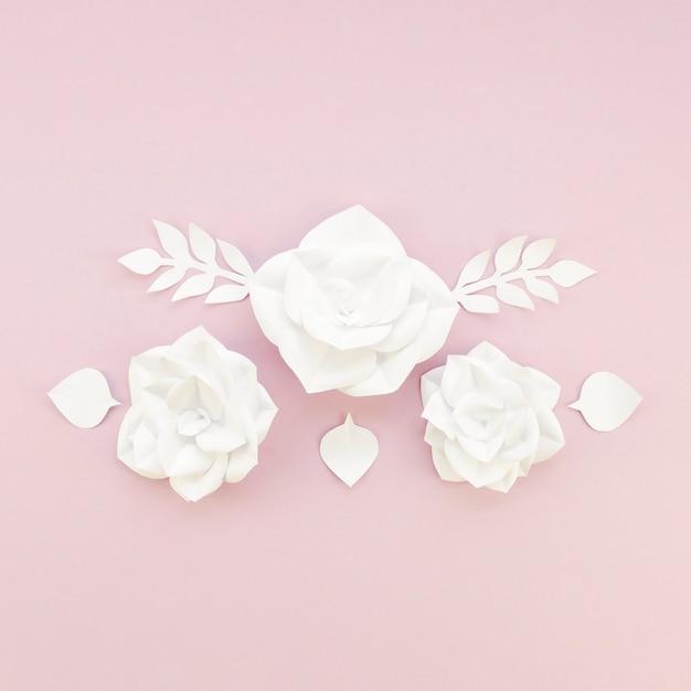 Dekoracja Kwiatowa Na Różowym Tle Darmowe Zdjęcia