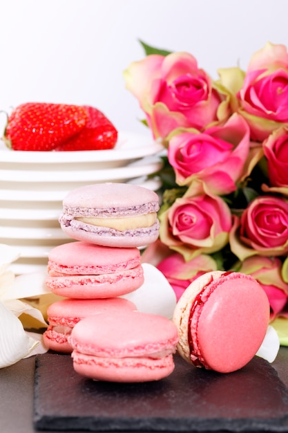 Deser Na Walentynki Z Makaronikami, Kawą I Truskawkami Darmowe Zdjęcia