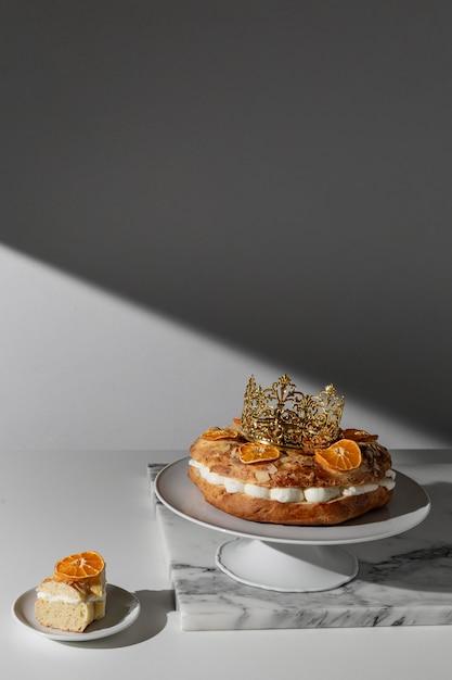 Deser święto Trzech Króli Z Kopią I Suszonymi Cytrusami Premium Zdjęcia