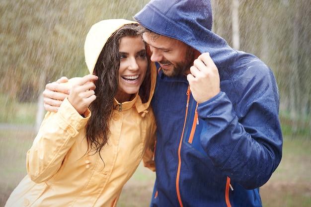 Deszcz Nas Uszczęśliwia Darmowe Zdjęcia