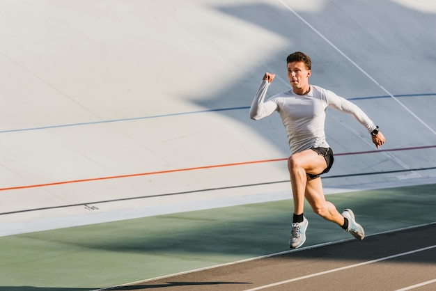 Długie ujęcie biegacza sportowca Darmowe Zdjęcia