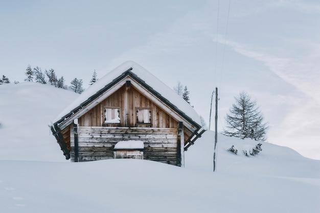 Dom Pokryty śniegiem Darmowe Zdjęcia