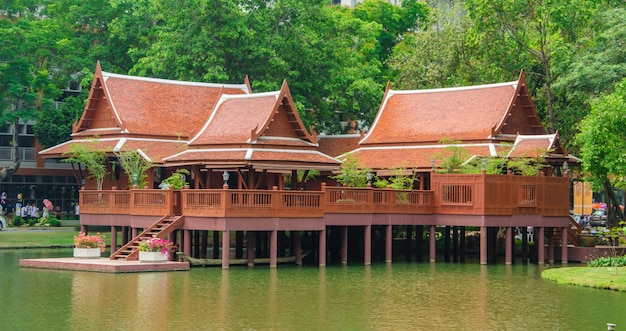 Dom W Stylu Tajskim Premium Zdjęcia