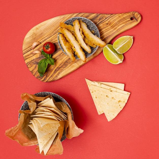 Domowa Tortilla Z Limonką I Smażonym Kurczakiem Darmowe Zdjęcia