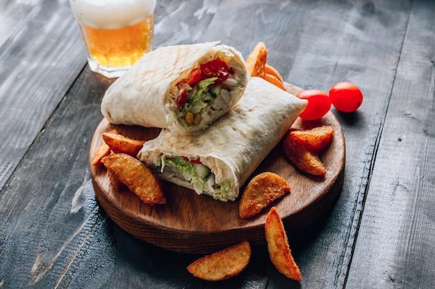 Doner Kebab Lub Shawarma. Premium Zdjęcia