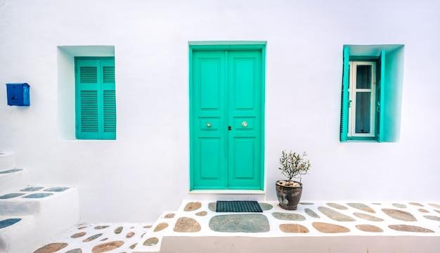 Drewniane Zielone Drzwi Premium Zdjęcia