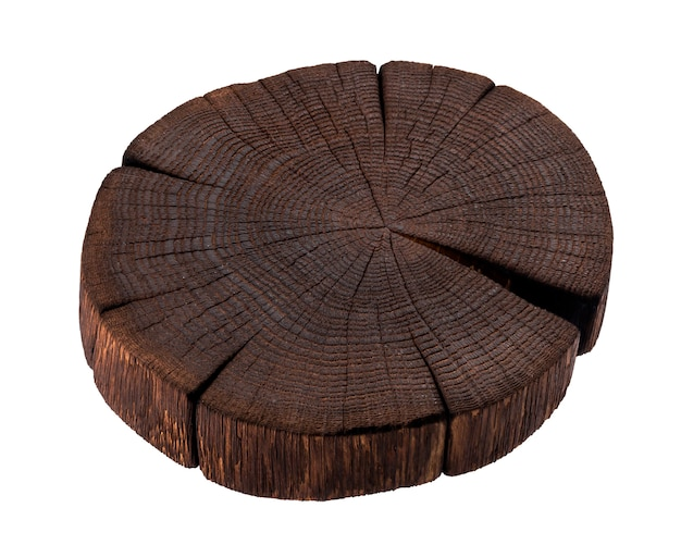Drewniany Kikut Odizolowywający Na Białym Tle. Ciemna Drewniana Deska Do Krojenia Premium Zdjęcia