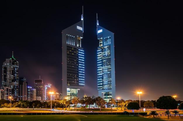 Dubaj, Zjednoczone Emiraty Arabskie. Jumeirah Emirates Towers, Najlepszy Hotel Miejski W Dubaju Premium Zdjęcia
