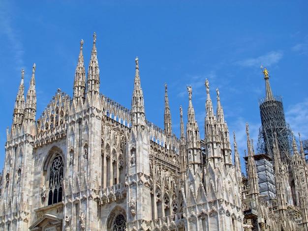 Duomo - Katedra W Mediolanie We Włoszech Premium Zdjęcia