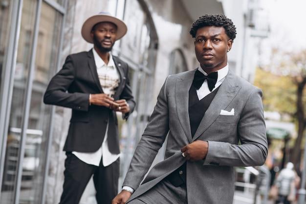 Dwa afrykański biznesmen spotyka wpólnie Darmowe Zdjęcia