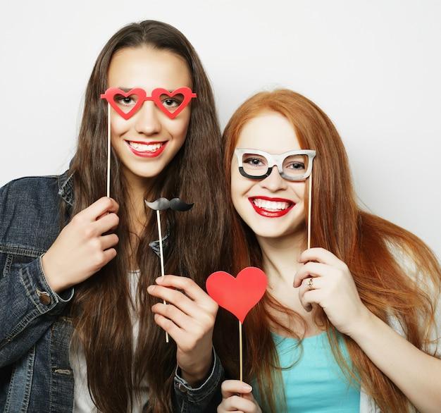 Dwie Stylowe Sexy Hipster Dziewczyny Najlepsi Przyjaciele Gotowi Na Imprezę Premium Zdjęcia
