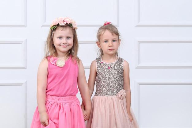 Dwie Szczęśliwe Dziewczyny Darmowe Zdjęcia