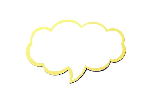 Dymek jako chmura z żółtą ramką na białym tle Premium Zdjęcia