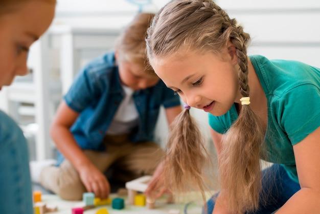 Dzieci Bawiące Się W Przedszkolu Darmowe Zdjęcia
