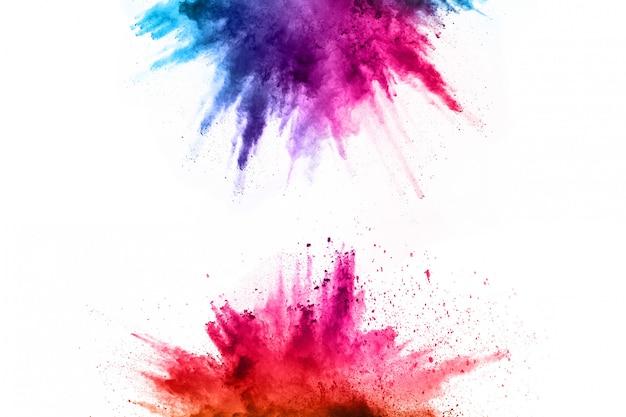 Eksplozja kolorowy proszek na białym tle. Premium Zdjęcia