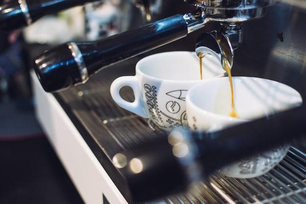Espresso kapie z uchwytu filtra Darmowe Zdjęcia