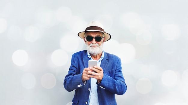 Fajny starszy człowiek Premium Zdjęcia