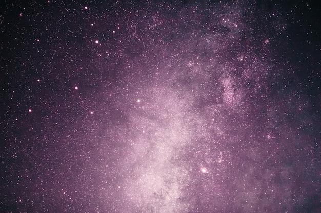 Fantazja Różowej Galaktyki Drogi Mlecznej Z Gwiazdami I Przestrzenią Ciemności W Romantycznej Walentynki. Premium Zdjęcia