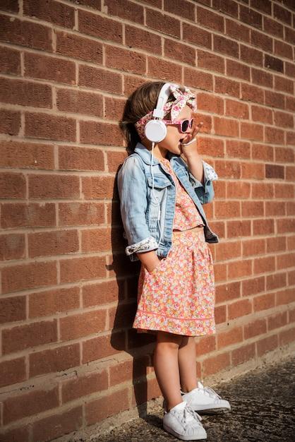 Fashionista Girl Child Adorable Cute Concept Premium Zdjęcia