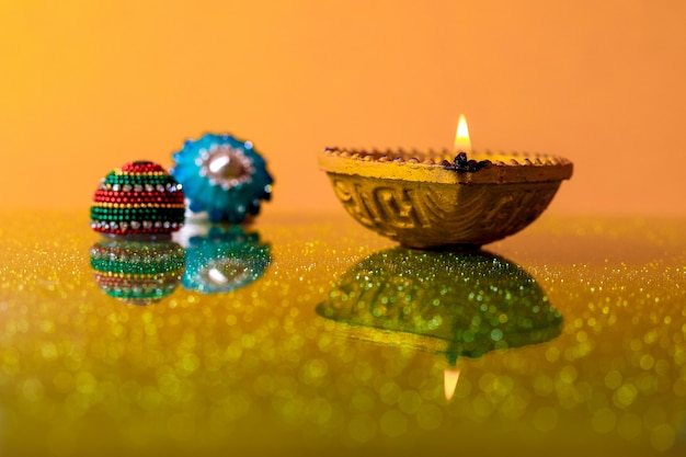 Festiwal indian diwali, lampa diwali Premium Zdjęcia