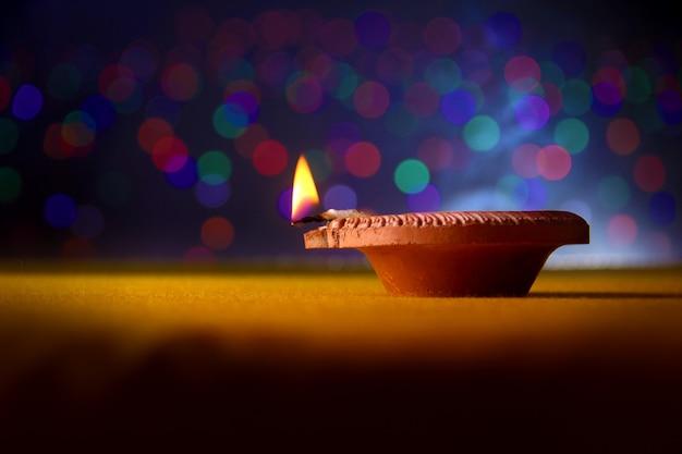Festiwal indyjski diwali, lampa diwali Premium Zdjęcia