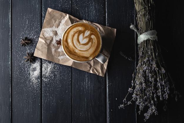 Filiżanka latte Premium Zdjęcia