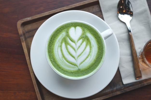 Filiżanka Zielonej Herbaty Matcha Latte Premium Zdjęcia
