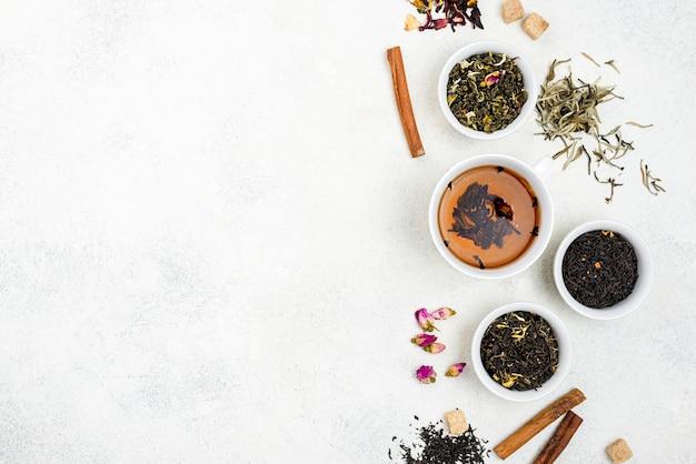 Filiżanki Do Herbaty Z Miejsca Na Kopię Premium Zdjęcia