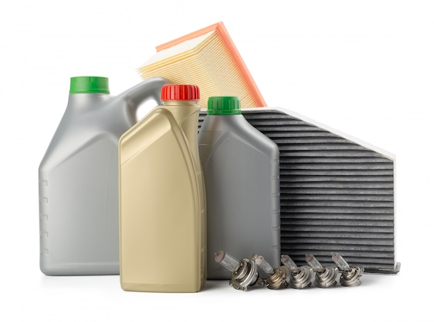 Filtry Oleju Samochodowego I Olej Silnikowy Można Na Białym Tle Premium Zdjęcia