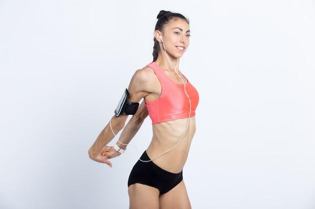 Fitness Dziewczyna Robi ćwiczenia Rozciągające Darmowe Zdjęcia