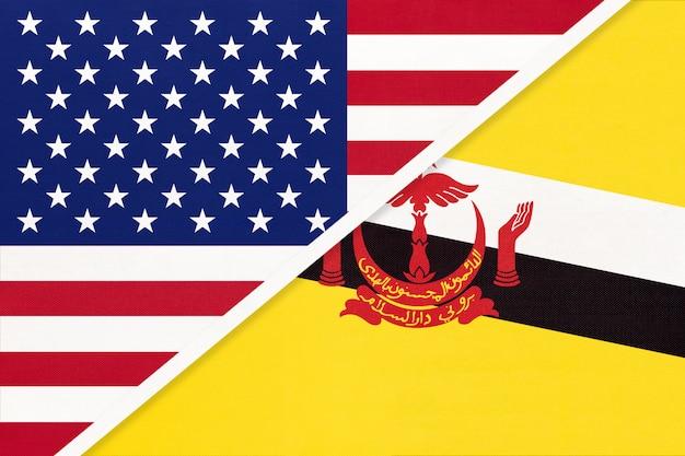 Flaga Usa Vs Brunei Z Tkaniny. Relacje Między Dwoma Krajami Amerykańskimi I Azjatyckimi. Premium Zdjęcia