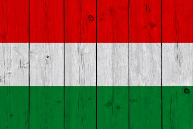 Flaga Węgier Malowane Na Starej Desce Premium Zdjęcia
