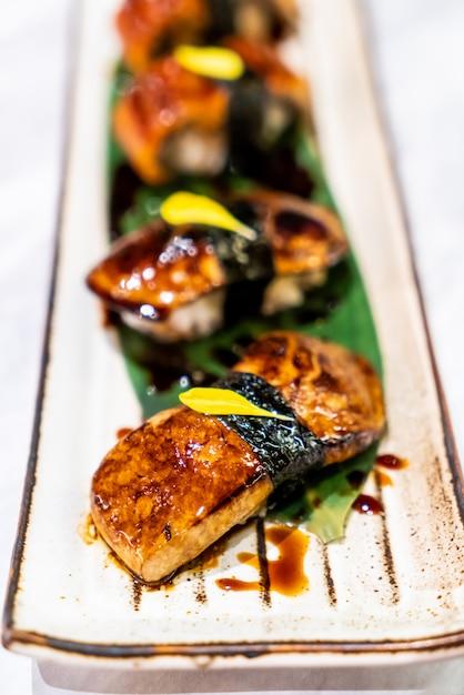 foiegras Sushi - japońskie jedzenie Premium Zdjęcia