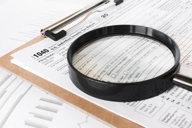 Formularz 1040. Deklaracja Dotycząca Podatku Dochodowego Od Osób Fizycznych W Stanach Zjednoczonych. Premium Zdjęcia