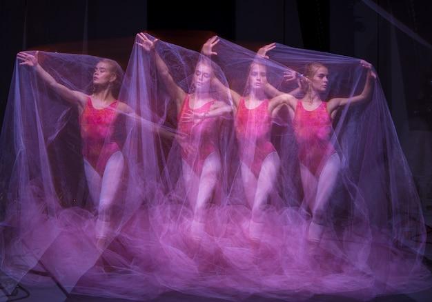 Fotografia Jako Sztuka - Zmysłowy I Emocjonalny Taniec Pięknej Baletnicy Przez Zasłonę Darmowe Zdjęcia