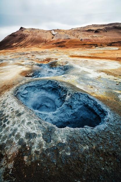 Geotermia Krafla W Hverir, Namafjall Na Islandii Premium Zdjęcia