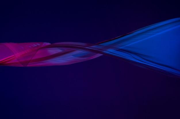 Gładka Elegancka Przezroczysta Niebieska Tkanina Oddzielona Na Niebieskim Tle. Darmowe Zdjęcia