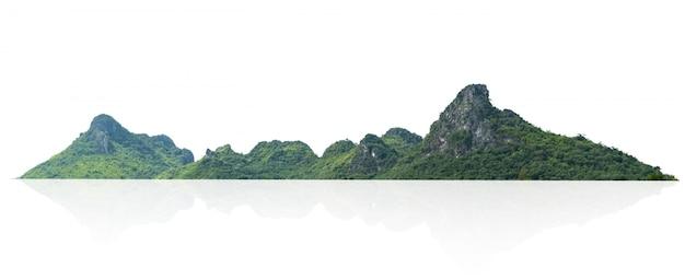 Góry skała z lasem odizolowywa na bielu Premium Zdjęcia