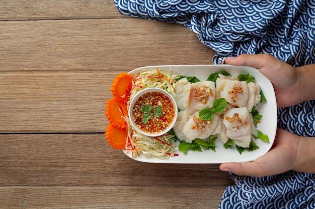 Gotowana Ryba Dolly Z Pikantnym Sosem Z Owoców Morza. Darmowe Zdjęcia