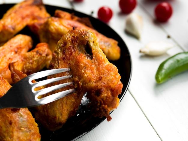 Gotowane skrzydełka z kurczaka z ziołami Darmowe Zdjęcia