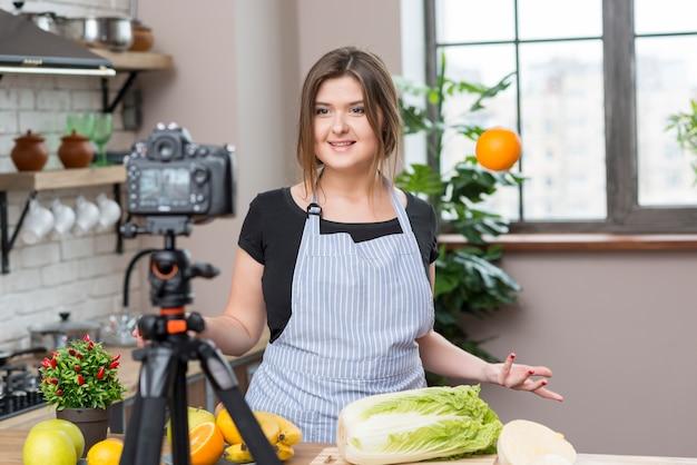 Gotowanie vloggera Darmowe Zdjęcia